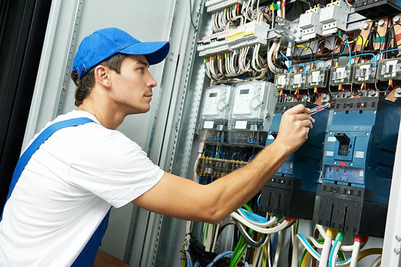 electrician crewe